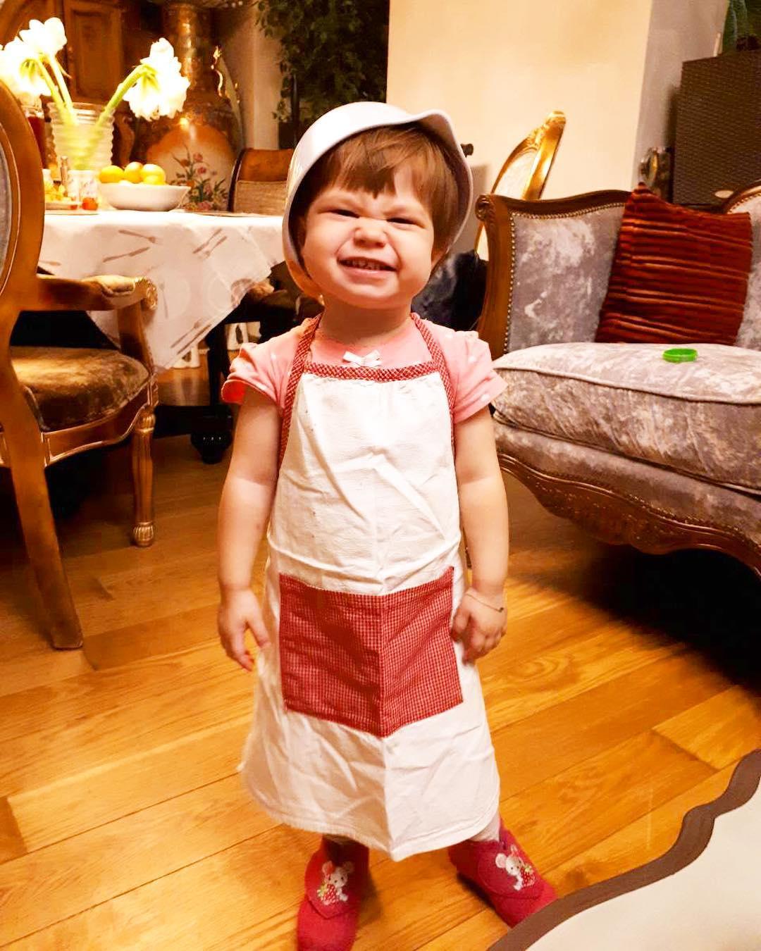 Пользователи Сети гадают, накого похожа младшая дочь Екатерины Климовой