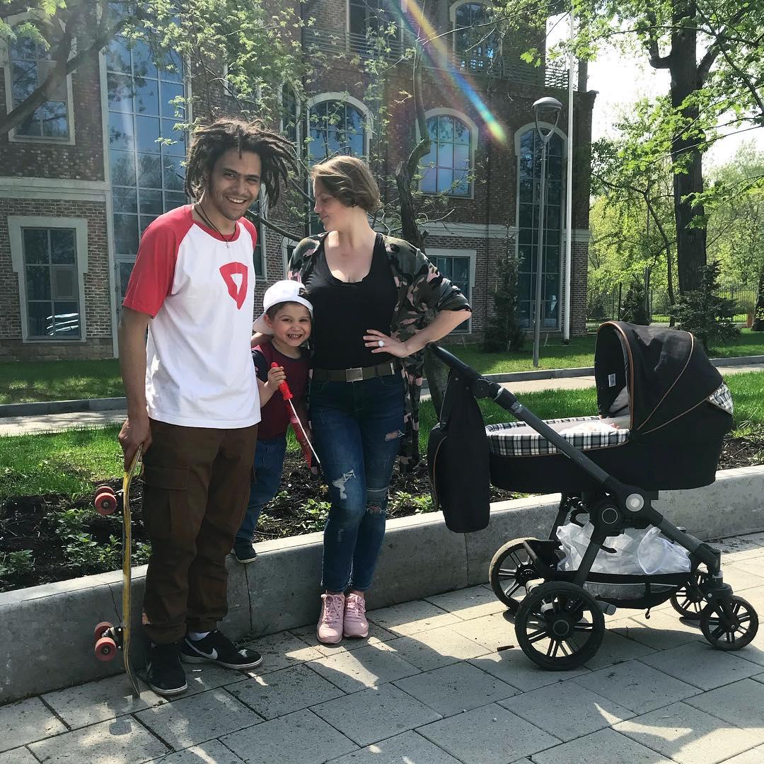 «Невероятное сходство сотцом!»: вСети обсуждают фотографии внуков Ирины Понаровской