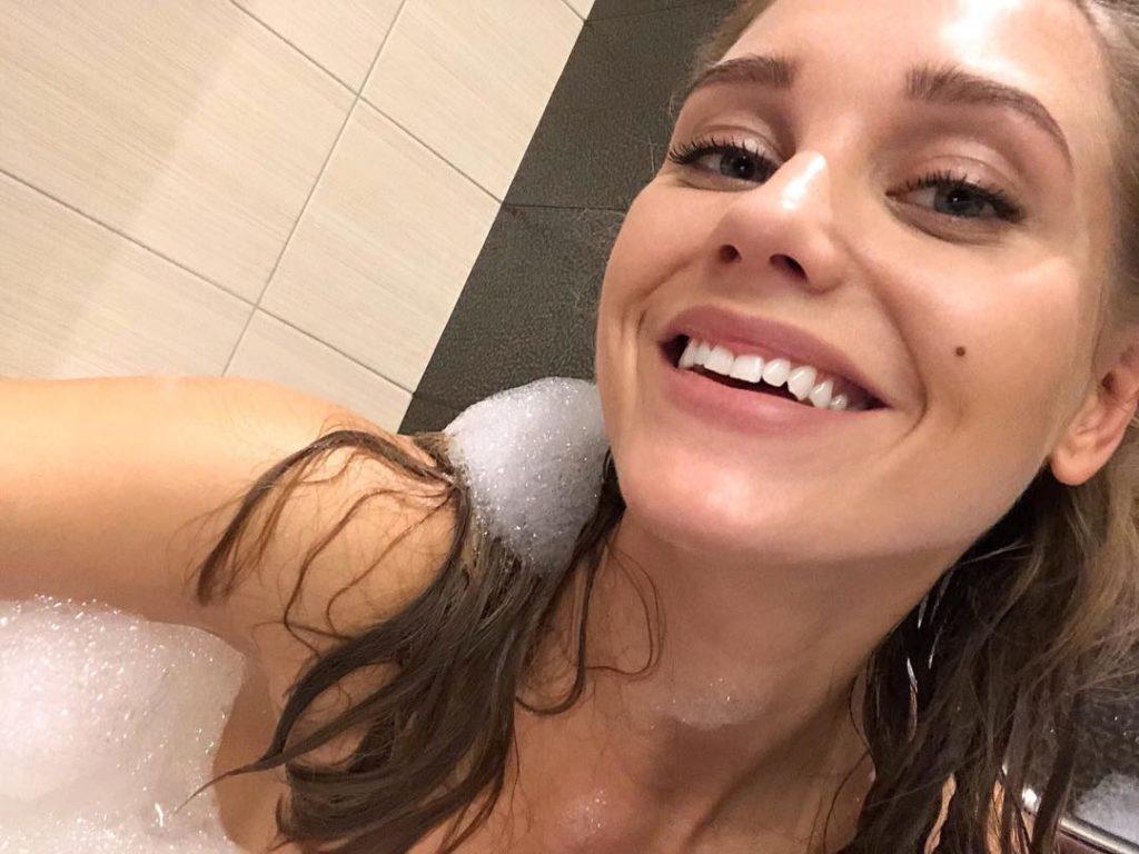 Кристина Асмус призналась подписчикам всвоей негигиеничной привычке