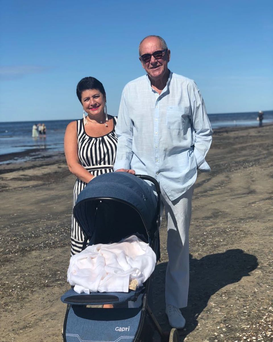Не надо стесняться: 78-летний Эммануил Виторган показал фигуру в плавках