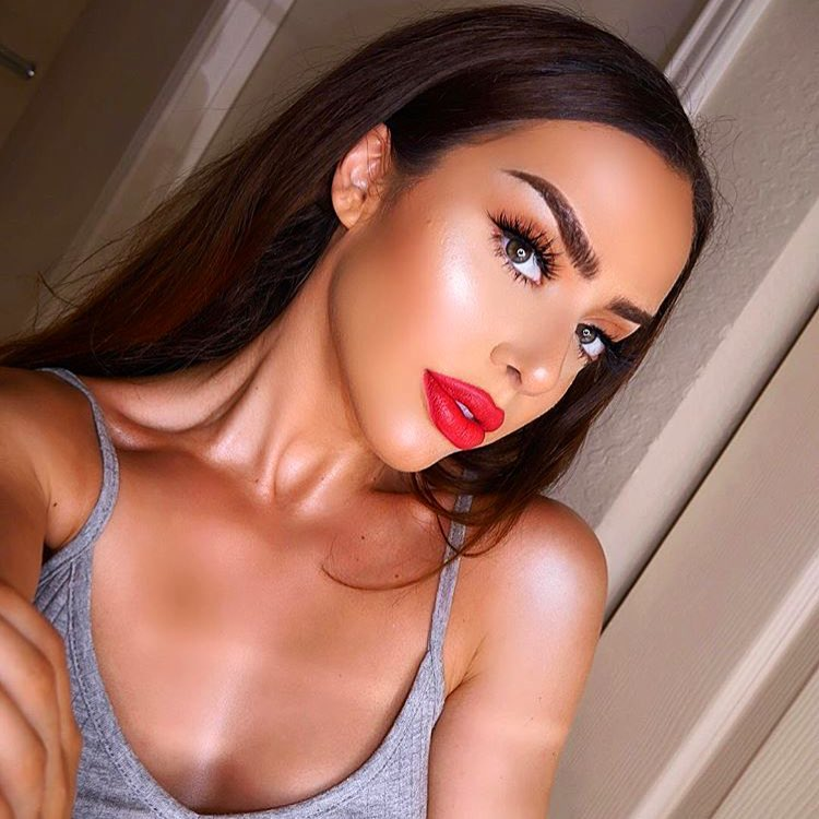 5 вещей, которые мужчины бессознательно узнают о тебе, посмотрев на макияж