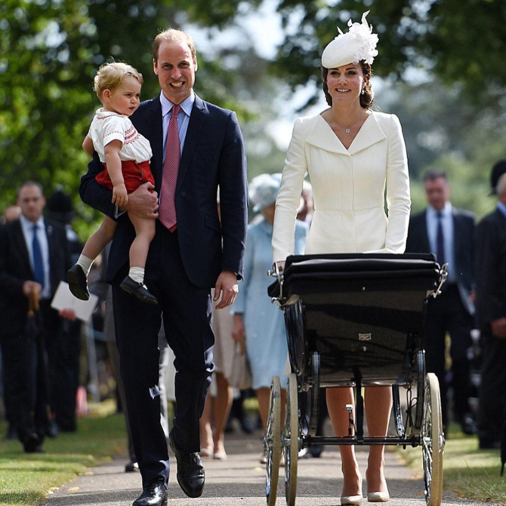 Герцог и герцогиня Кембриджские на крестинах дочери Шарлотты