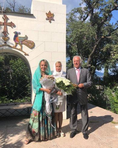 80-летний Илья Резник обвенчался сженой после 20 лет гражданского брака