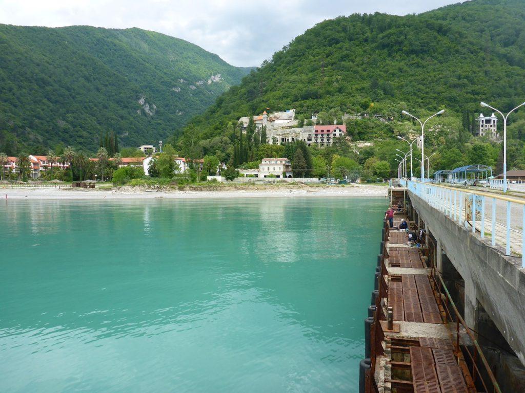 Gagra-Abxaziya-kuda-poexat'-na-more-v-sentyabre