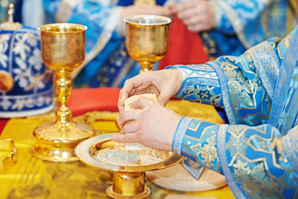 Uspenie-Bogorodicy-28-avgusta-liturgiya