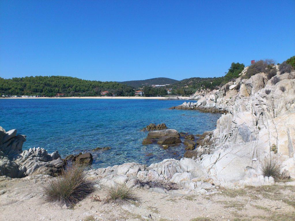 Xalkidiki_Greece_sever-kuda-poexat'-na-more-v-sentyabre