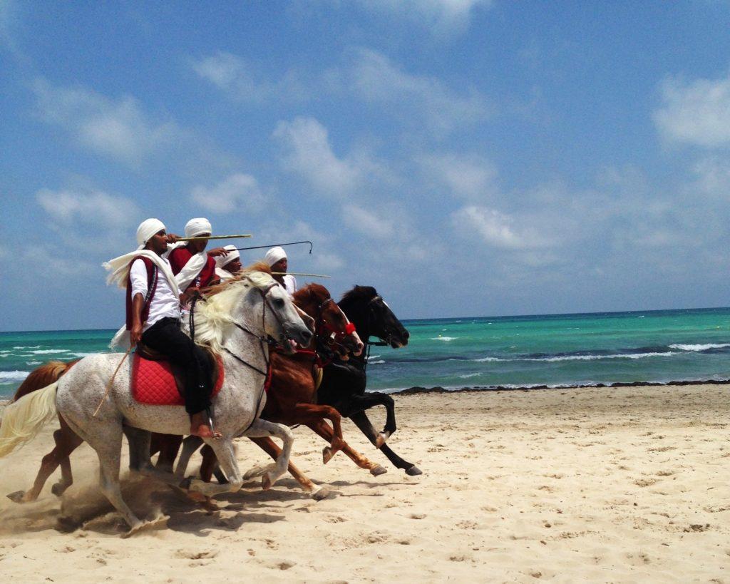tunisia-ostrov-Dzerba-kuda-poexat'-na-more-v-sentyabre